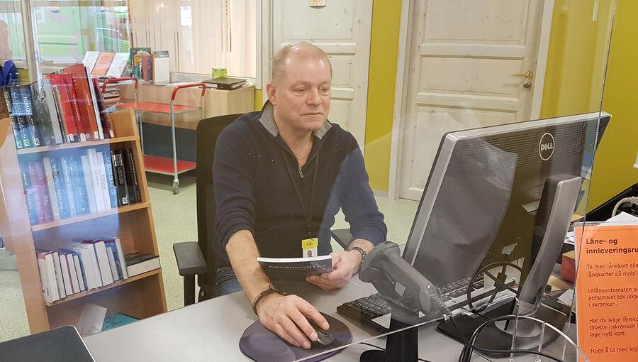 Anders Mongstad Straume bibliotek Skranke